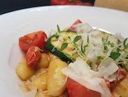 Gniocchi z kurczakiem i cukinią w sosie z mascarpone