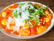 Gniocchi w sosie pomidorowym z mozzarellą