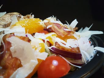 Sałatka z kurczakiem i pomarańczami