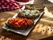 Tris di Bruschette pomodori olive e mozzarella