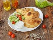 2. PIEROGI WEGE: Wege mozzarella, kurki, czerwona cebula