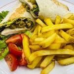 3. Danie tygodnia:  Tortilla Grecka: Z pieczonym kurczakiem, oliwkami, serem feta, domowym tzatziki. Podawana z frytkami