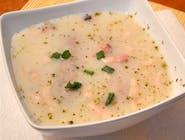 Zalewajka (zupa na bazia białego barszczu z włoszczyzną, ziemniakami i jajkiem)