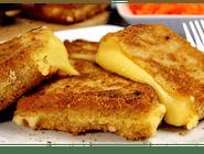 Kotlet serowy (ser żółty w panierce)