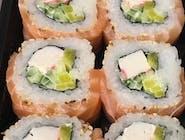 uramaki z surimi i łososiem