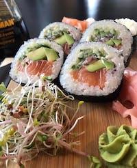 PROMOCJA SUSHI - futomaki avocado łosoś 12szt za 30 pln :)