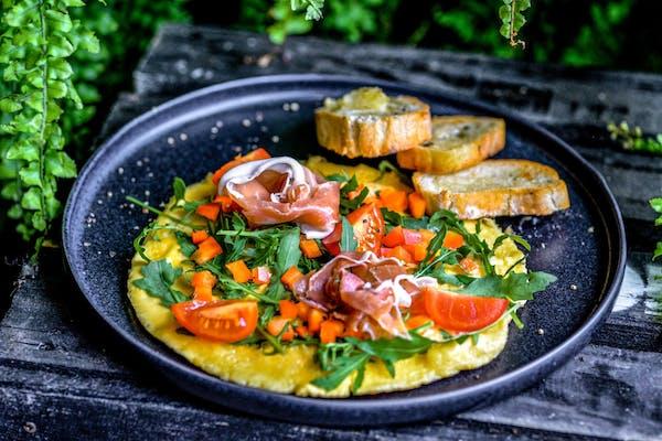 Omlet z szynką parmeńską