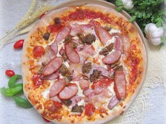 Pizza Mięsna Uczta