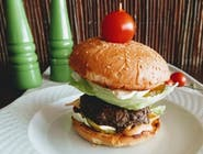 G6 Camembert Burger