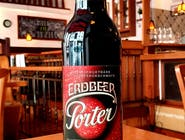 Erdbeer Porter- Ciemne piwo o niesamowitym aromacie truskawek /500ml/