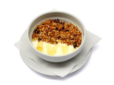 <b>Granola z jogurtem lub mlekiem </b>