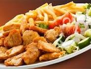 Danie kebab ST - kurczak z grilla z frytkami z sosem czosnkowym, sałatka pekińska, pomidor, cebulka czerwona