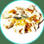 Pierogi z serem mozzarella szpinakiem