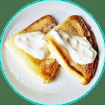 Naleśniki z serem, śmietaną i cukrem