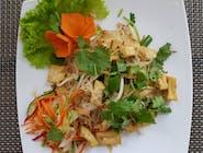 Makaron sojowy smażony z tofu