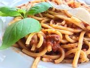 Spaghetti / sos pomidorowy / grana padano / bazylia