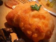 Podkowa z fileta kurczaka z mozarellą i szpinakiem na śmietanie