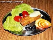 Roladka z fileta drobiowego z szynką i porem w sosie chrzanowo-musztardowym