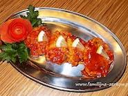 Miruna w cieście w sosie ze słodkich pomidorów