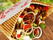 Kebab w bułce duży