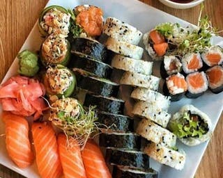 Raw Salmon Sushi Set