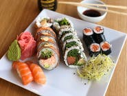 SALMON SUSHI SET 18 SZT