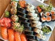 RAW SALMON SUSHI SET 34 SZT