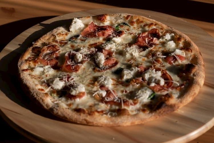 pizza mistrzejowice
