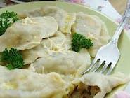 Pierogi z pieczarkami i żółtym serem