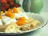 Pierogi z serem i brzoskwiniami na słodko