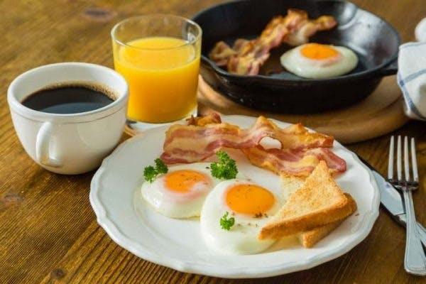Mic dejun real