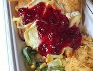 Grillowana pierś z kurczaka z camembertem i żurawiną
