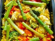 Zestaw: Smażony ryż wege, z warzywami, z cukrowym groszkiem i szparagami + Zupa