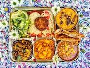 Raja menu (obsahuje: Tradičné+Gurmán, 2 šaláty, Chuťovka) 400g