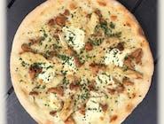 Gallinacci (sos biały)<br> kurki, ser mascarpone, kurczak grillowany, cebulka zielona dymka