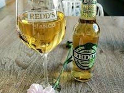 Piwo Redd's o smaku jabłkowym