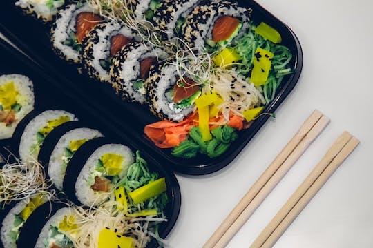 Wszystkie Dania i Sushi przygotowywane dopiero po złożeniu zamówienia