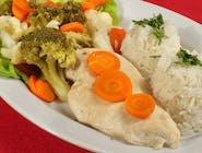 Filet z kurczaka gotowany na parze