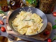 Ravioli ze szparagami i serem stracchino