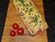 Zapiekanka, do wyboru sos na spodzie:sos pomidorowy, czosnkowy, BBQ, serowy, majonezowy, pikantny