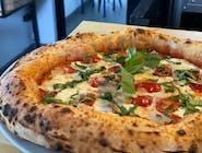 5. Pizza specjalna POMODORO & STRACIATELLA