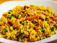 Smażony ryż z warzywami i kurczakiem