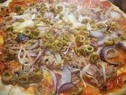 9. Pizza Tonne e cipolla veľká (1,4,7,12)