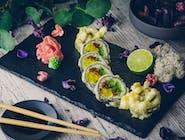 6x Futomaki - marynowana rzepa, marynowana tykwa, ogórek, ostry majonez wszystko w tempurze, sos słodki, sezam