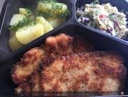 kotlet   Schabowy , ziemniaki  z  koperkiem  , surówka