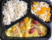 Kurczak carry z ryżem,surówka