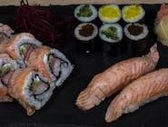 Sushi z pieczonym łososiem