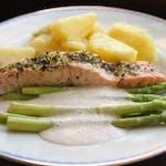 Biznis menu : Pečený Losos so grilovanou špargľou, opekané zemiaky │1,4,7│