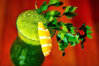Dietetyczny cocktail pietruszkowy