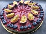 Vanilková torta s raw brusnicovým džemom